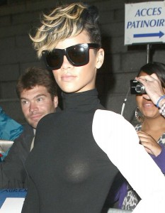 Rihanna thong 02