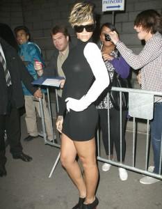 Rihanna thong 04