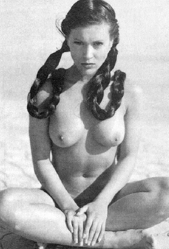 40 fotos de Alyssa Milano desnuda para celebrar su 40