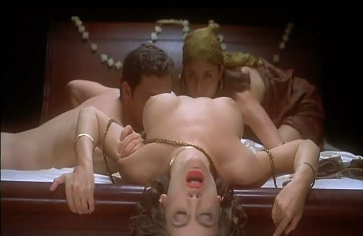 Escenas desnudas alyssa milano