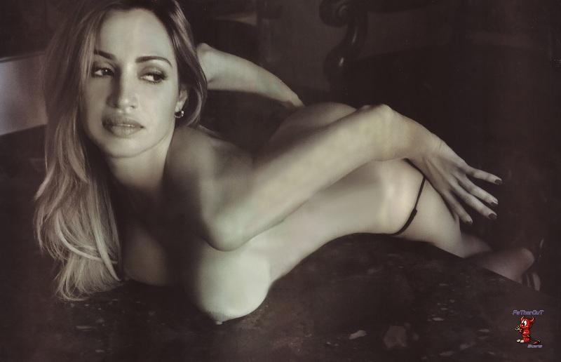 Bojana Novakovic 2010 Skinning Videos De Famosas Desnudas