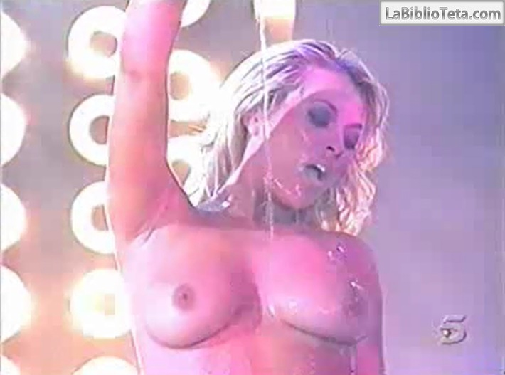 Daniela Blume - Cronicas Marcianas 01