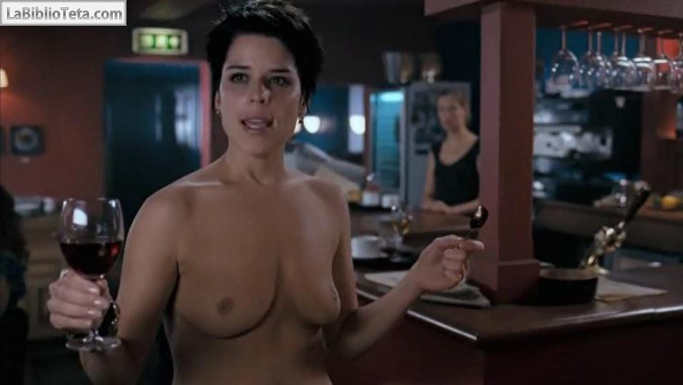 Neve Campbell - I really hate my job 01