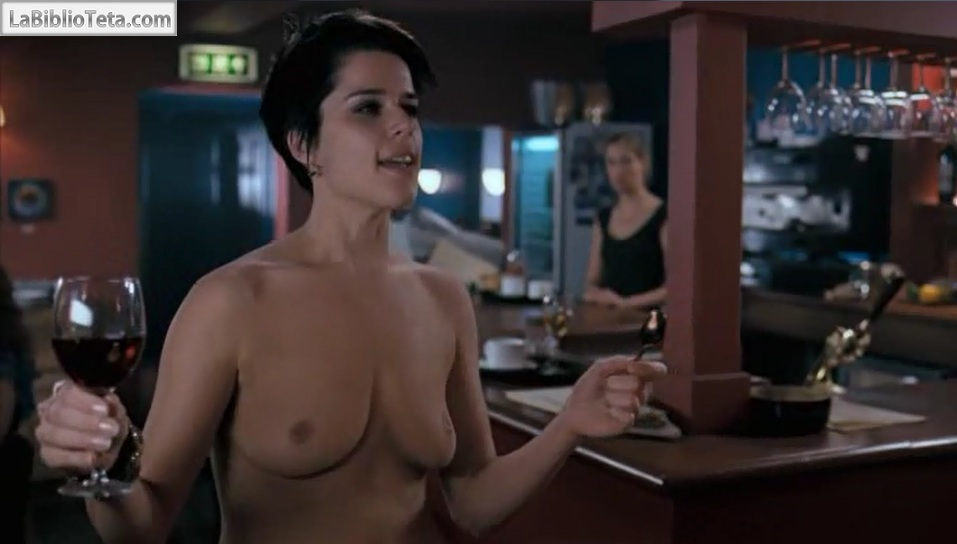Neve Campbell - I really hate my job 02