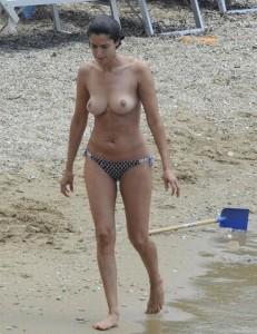 Blanca Romero topless 02