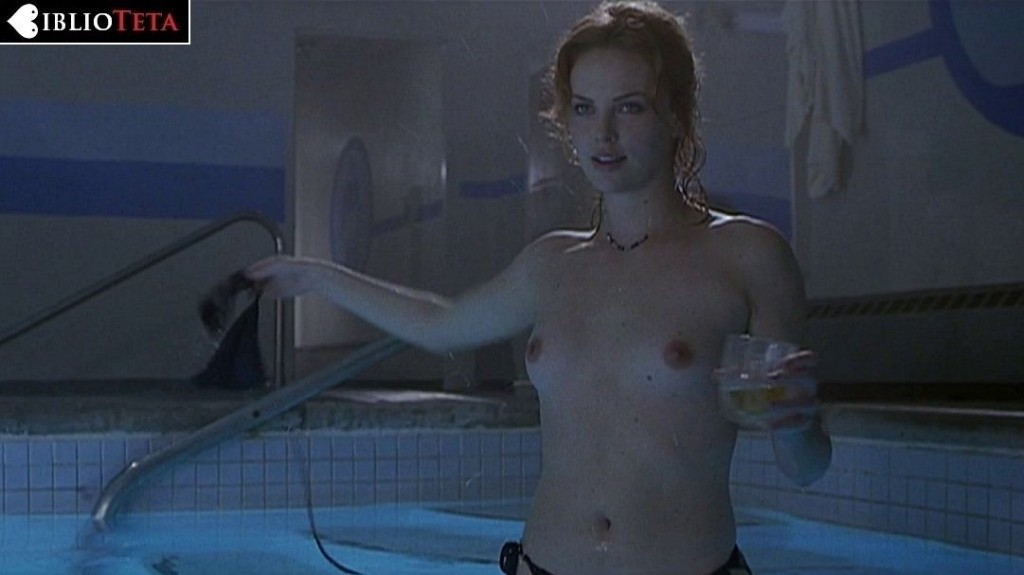 Charlize Theron - Reindeer Games 01