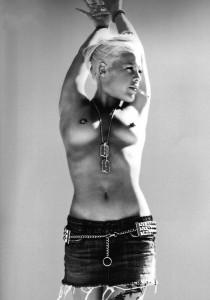 Pink - Bryan Adams 03