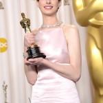 Anne Hathaway - Oscars 09