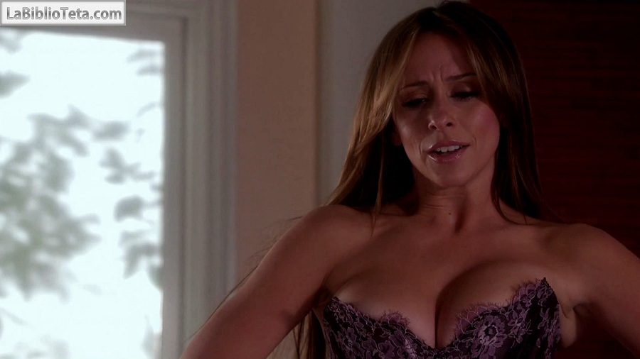 Jennifer Love Hewitt - The Client List 01