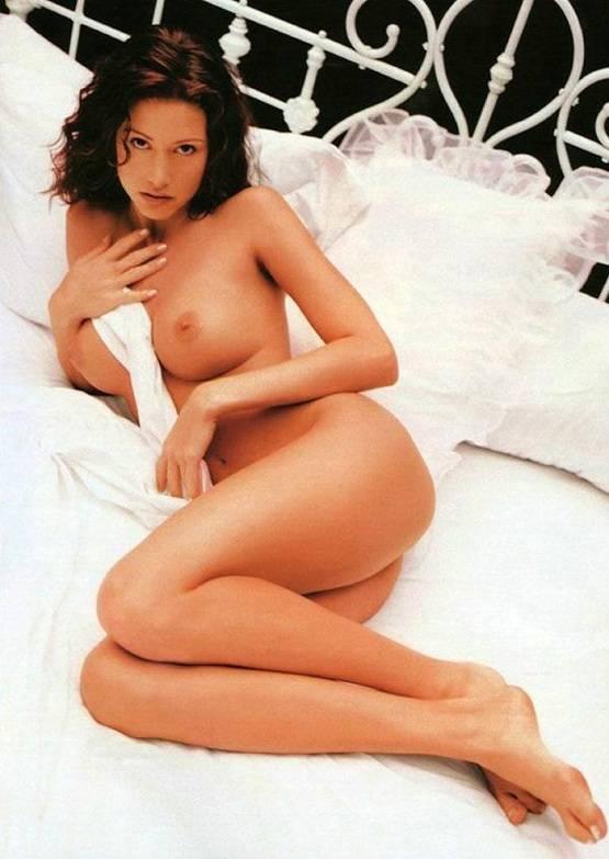 Shannon Elizabeth gola za Playboy avgusta 1999-1719