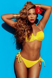 Beyonce - H&M 02