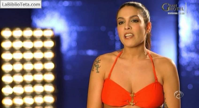 Lorena Castell - Splash 01
