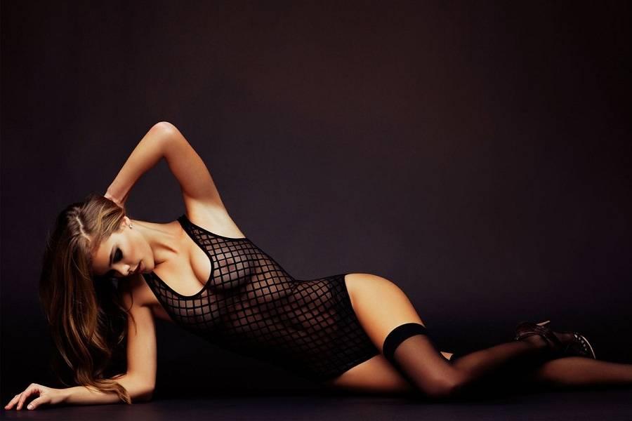 Nina Agdal - Nicholas Routzen 01