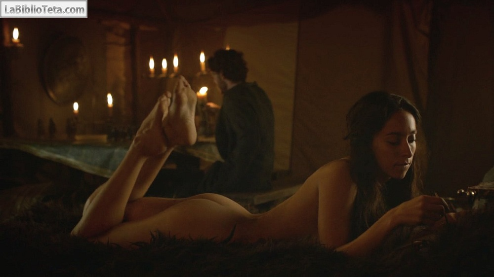 Oona Chaplin - Game of Thrones 01
