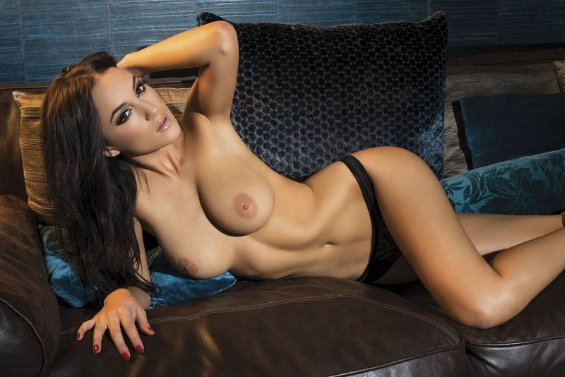Rosie Jones - Nuts 01