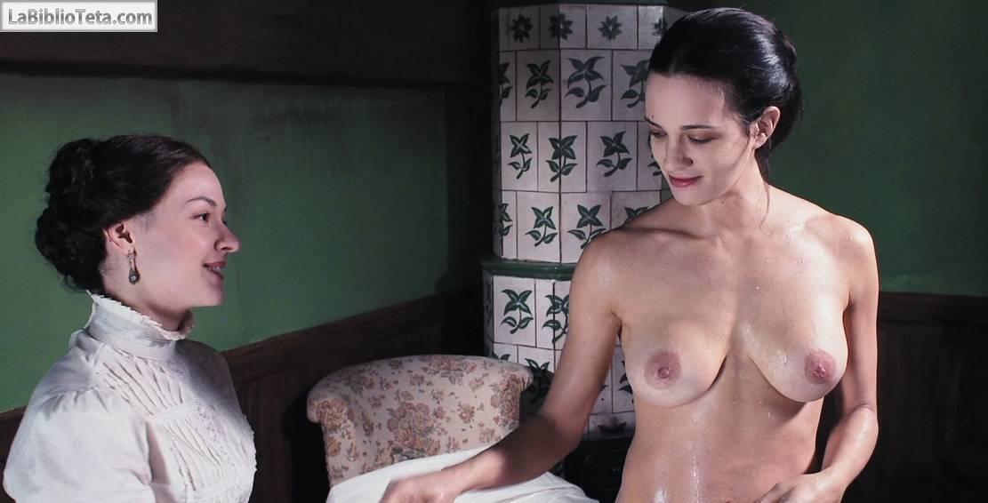 Asia Argento - Dracula 01