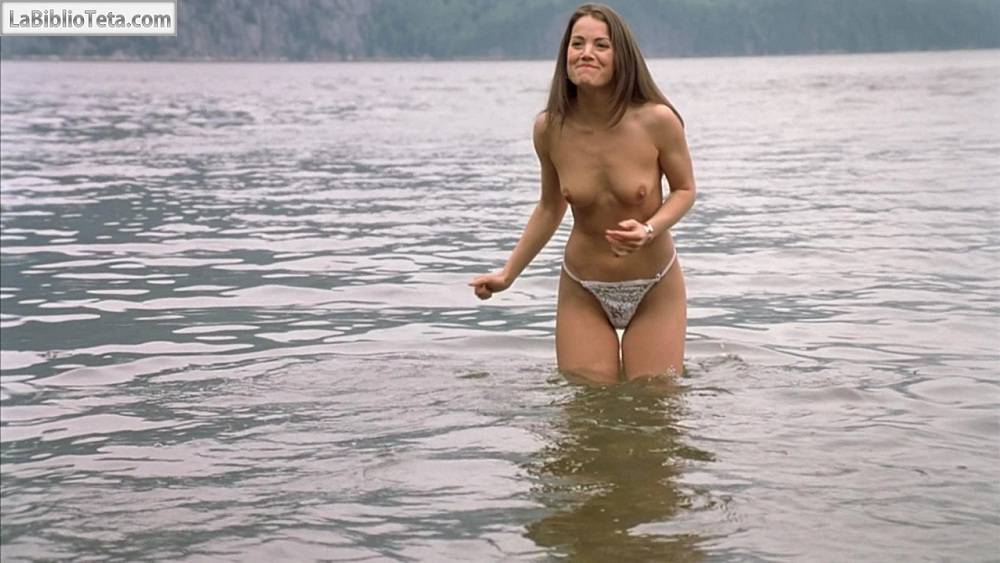 Erica Durance desnuda Imgenes, vdeos y grabaciones