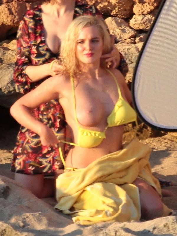 Helen Flanagan - Ibiza 01
