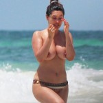Kelly Brook - Cancun 19