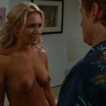 Nicky Whelan desnuda en Carta Blanca (2011)