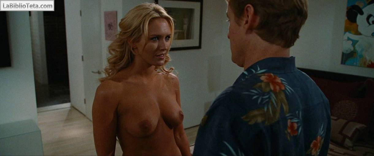 Nicky Whelan - Hall Pass 01