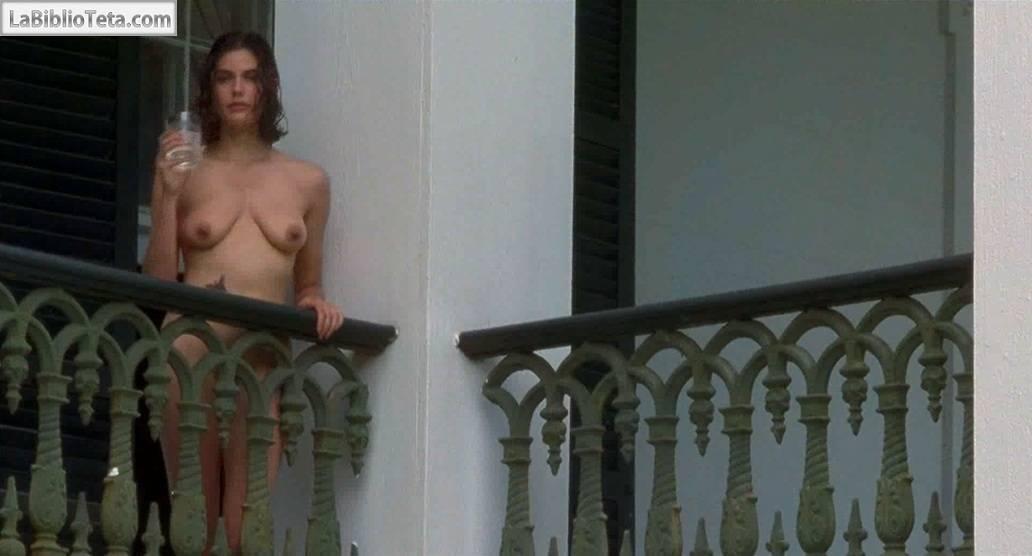 Teri Hatcher Desnuda En Prisioneros Del Cielo 1995