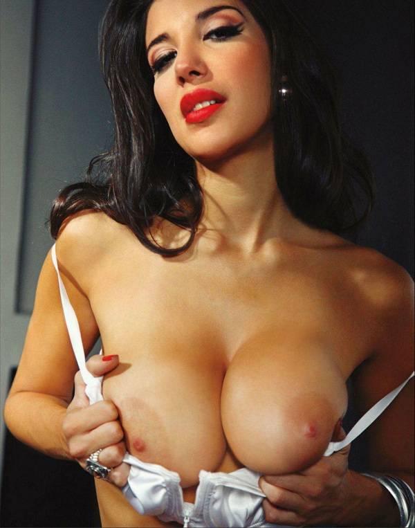 angelina jolie having hot naked sex