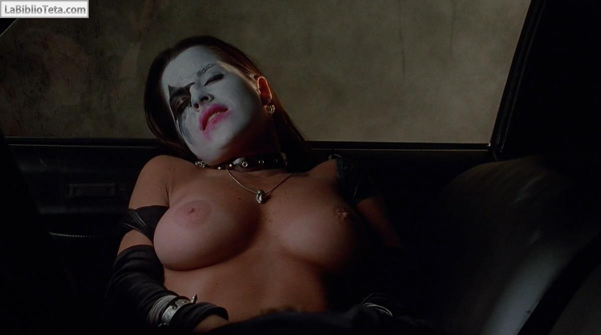Kelly Monaco - Idle Hands 01