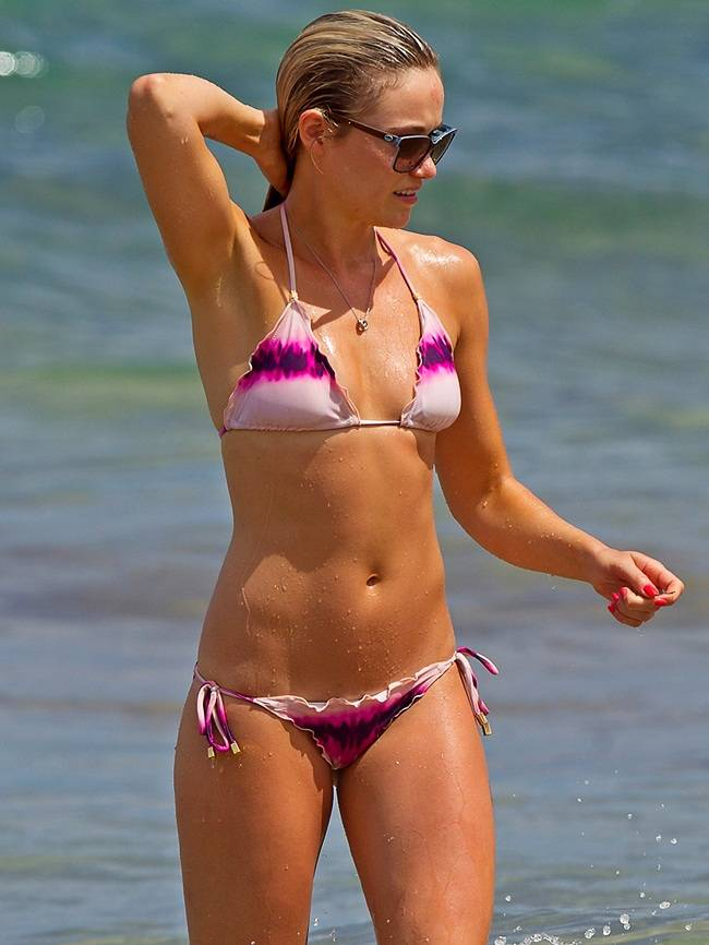 Katrina Bowden - Hawaii 01