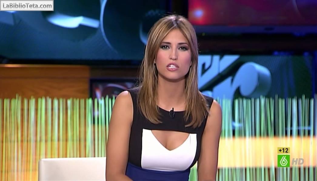 Sandra Sabatés Preciosa Y Escotada Mientras Presenta El Intermedio