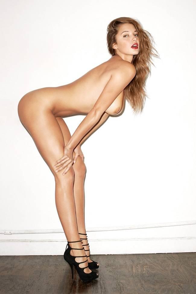 Alyssa Arce Desnuda Ante La Cámara De Terry Richardson