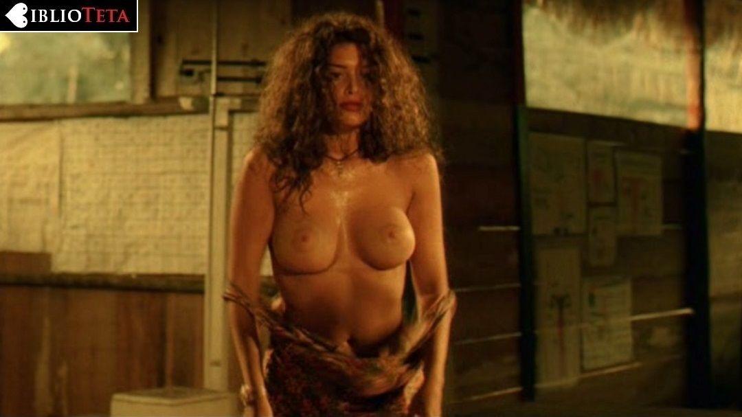 Angie Cepeda Desnuda En Pantaleón Y Las Visitadoras 1999