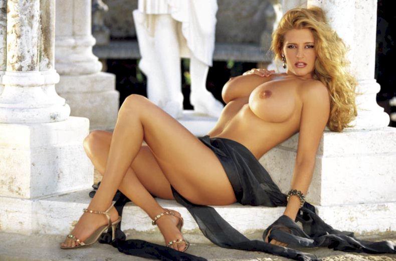 Ivonne Armant - Playboy 01