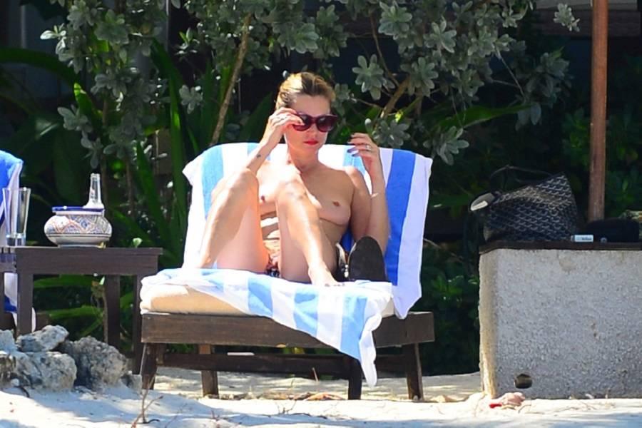 Kate Moss - Jamaica