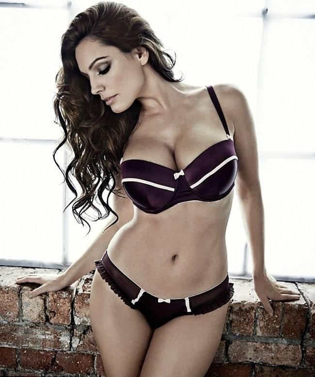 Kelly Brook - New Look Lingerie 01