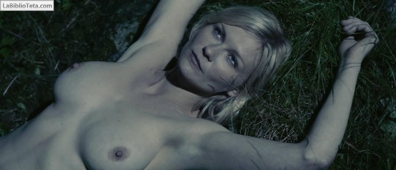 Sexy Kristen Dunst Photos Near