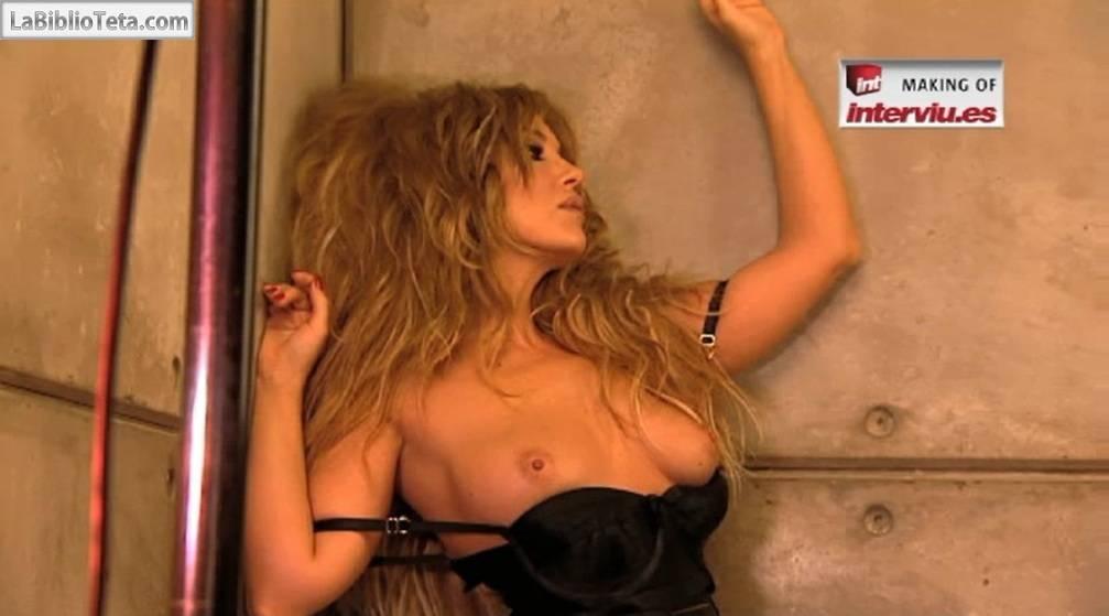 Laura Manzanedo Desnuda En El Making Of De Su Posado Para Intervi La