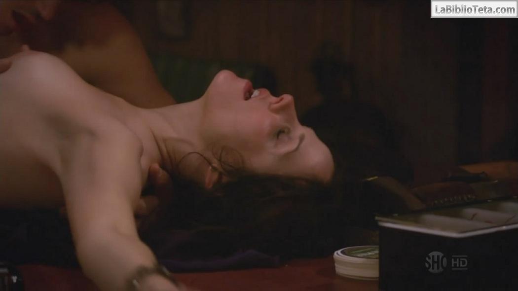 Mary Louise Parker desnuda en las malas hierbas