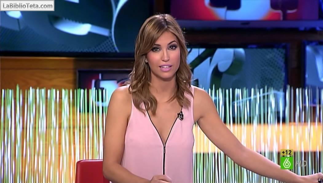 Sandra Sabatés Preciosa De Rosa Presentando El Intermedio