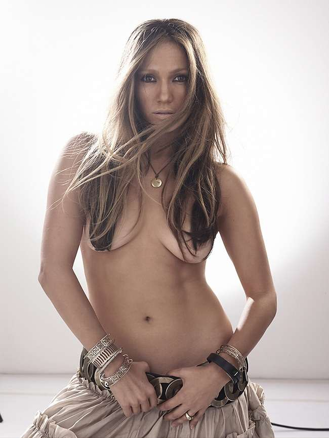 Jennifer Lopez topless 01