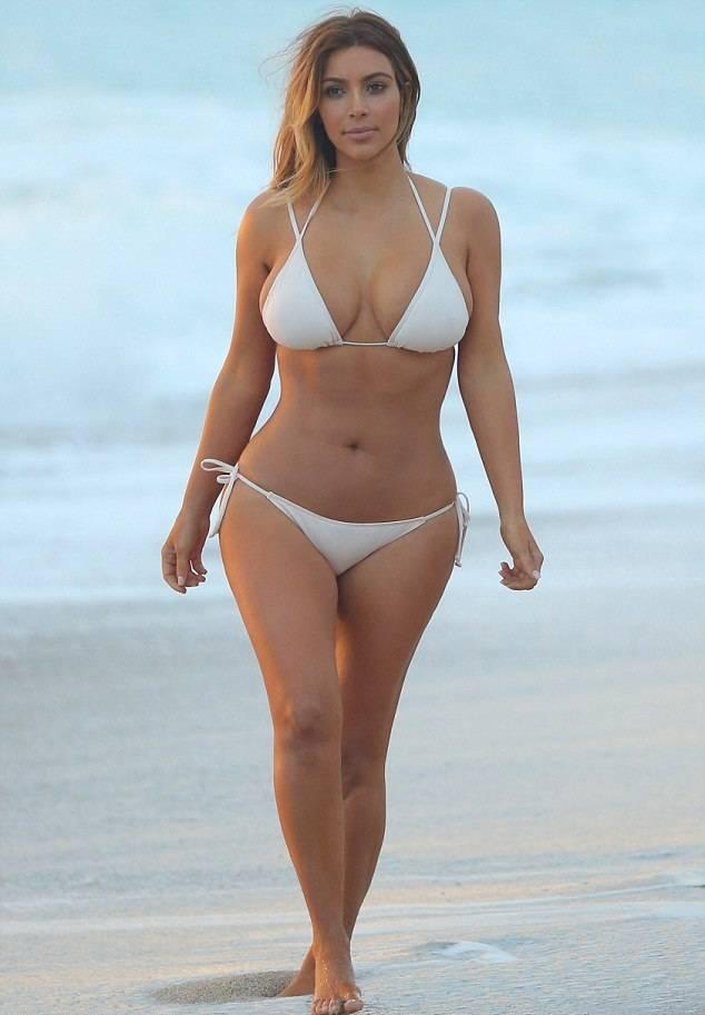 Kim Kardashian bikini 01
