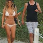 Kim Kardashian bikini 04