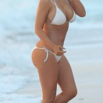 Kim Kardashian bikini 08