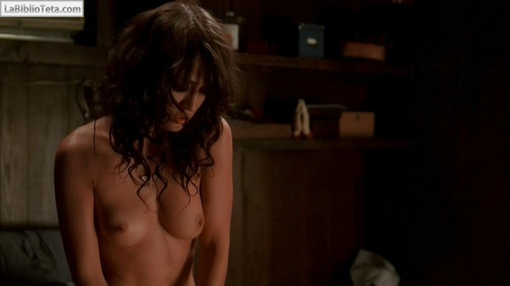 Lizzy Caplan - True Blood 01