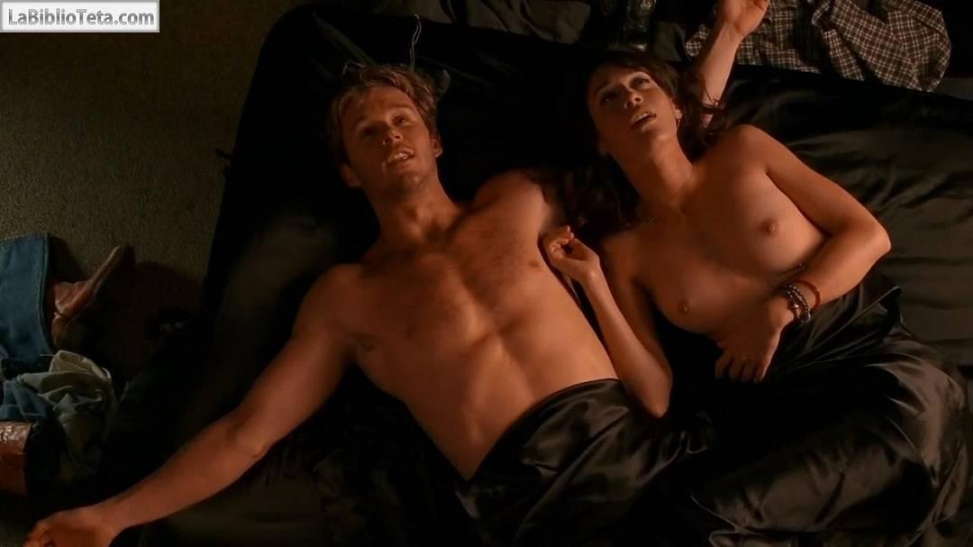 Todas las escenas de Lizzy Caplan desnuda - La