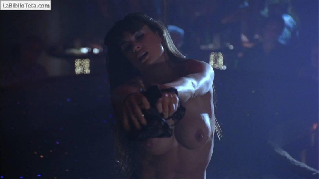 Demi moore desnuda en striptease