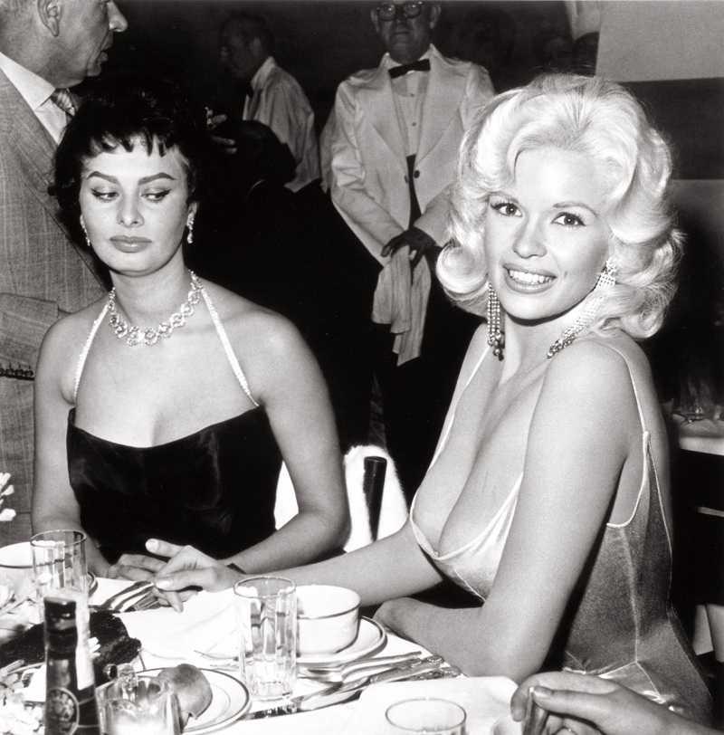 Jayne Mansfield cleavage 01