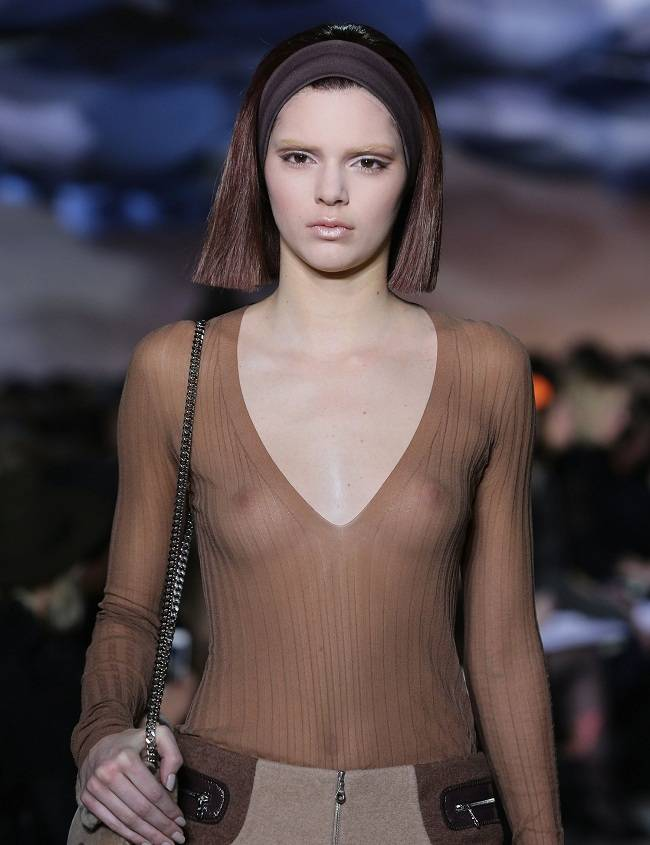 Kendall Jenner - Marc Jacobs 01