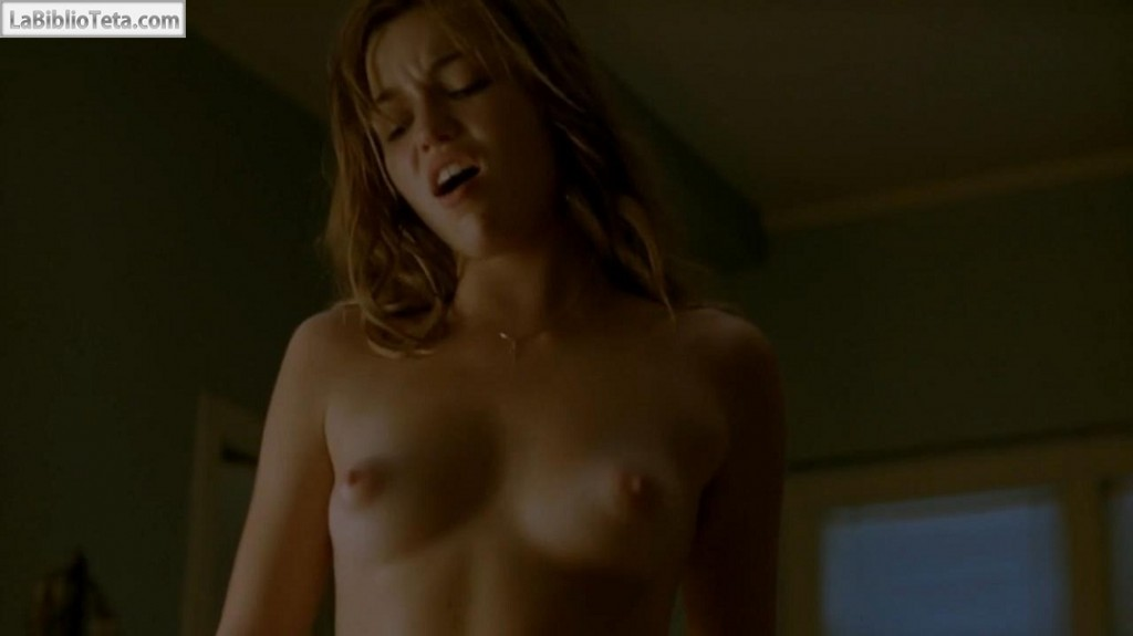 Lili Simmons - True Detective 01