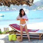 Tiffani Thiessen bikini 08